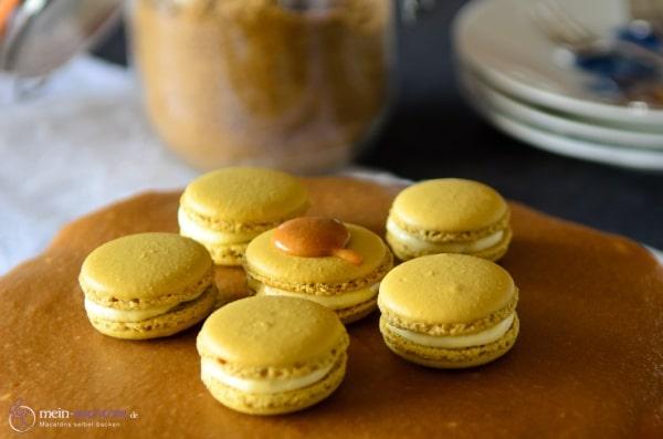 macarons mit eierlikoer mousse macarons rezepte zum selber backen. Black Bedroom Furniture Sets. Home Design Ideas