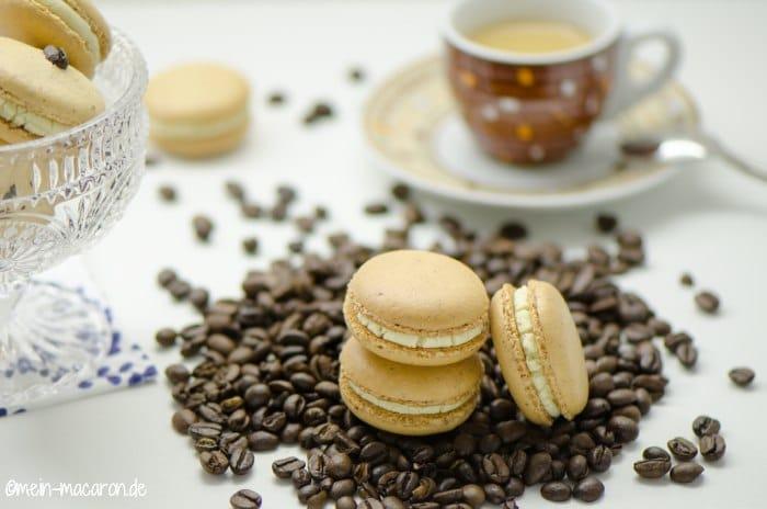 macarons mit wei er kaffee ganache macarons rezepte zum selber backen. Black Bedroom Furniture Sets. Home Design Ideas