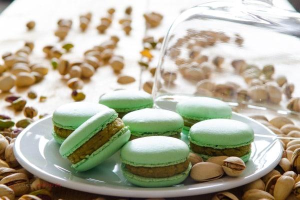macarons mit pistazien ganache macarons rezepte zum selber backen. Black Bedroom Furniture Sets. Home Design Ideas