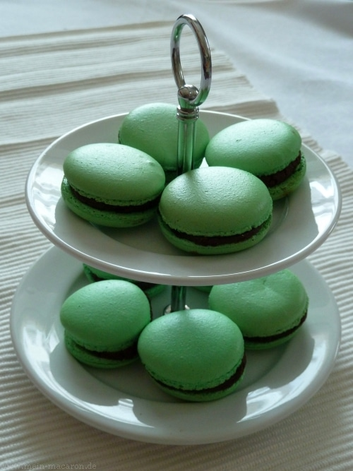 macarons mit minz ganache macarons rezepte zum selber backen. Black Bedroom Furniture Sets. Home Design Ideas