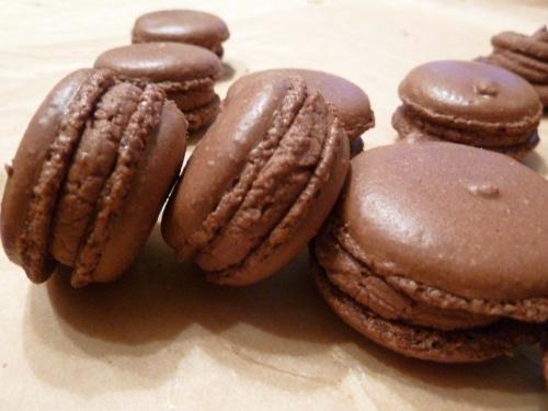 schoko macarons macarons rezepte zum selber backen. Black Bedroom Furniture Sets. Home Design Ideas