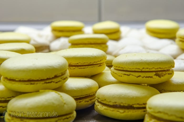 vanillemacarons mit vanillekipferl macarons rezepte zum selber backen. Black Bedroom Furniture Sets. Home Design Ideas